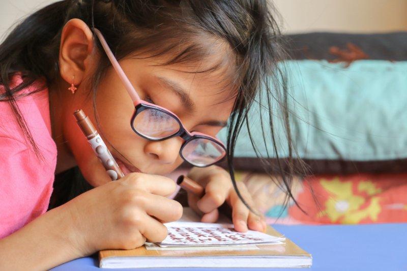 まとめ:小学生の勉強を親が見るのはおすすめ!ただし甘やかしすぎない